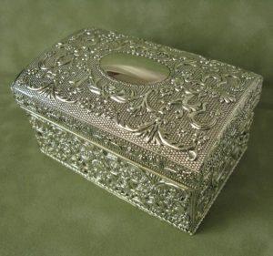 Posrebrzane pudełko