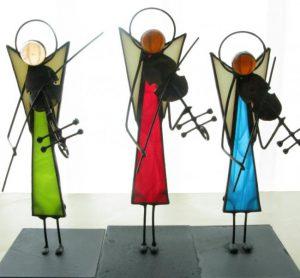 Anioły ze szkła witrażowego