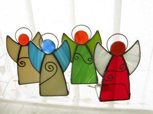 Aniołki ze szkła witrażowego