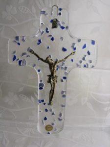 Krzyż ze szkła kryształowego