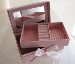 Pudełko na biżuterię (wnętrze)