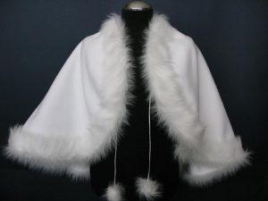 Pelerynka polarowa obszyta futerkiem (dłuższy włos)
