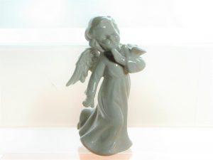 Aniołek porcelanowy