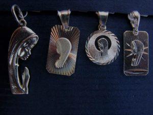 Medaliki z Matką Boską Fatimską