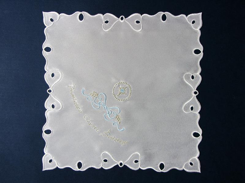 Szatka nr 9 - atłasowa, haft srebrno- niebieski