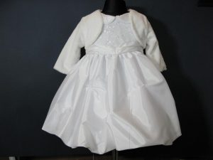 Sukienka do Chrztu z tafty i haftownego tiuluW komplecie z kapelusikiem i bolerkiem