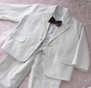 Garniturek sztruksowy z koszulą, kamizelką i kaszkietem